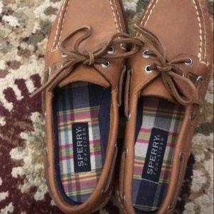 Women's sperrys boat shoes .NEVER WORN.